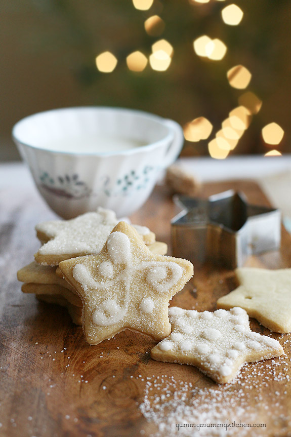 Delicious vegan sugar cookie recipe made with coconut oil.