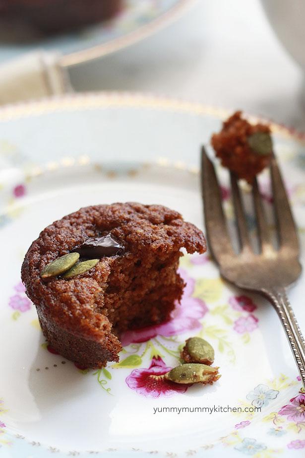 Paleo, gluten free, grain free pumpkin muffins made with almond flour.