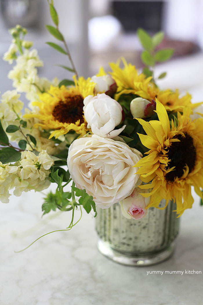 How to make a flower arrangement