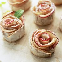 Phyllo Baked Apple Roses