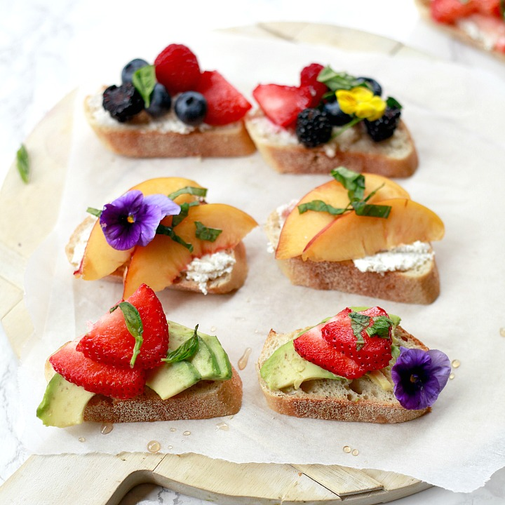 How to put together an Italian inspired fruit crostini platter.