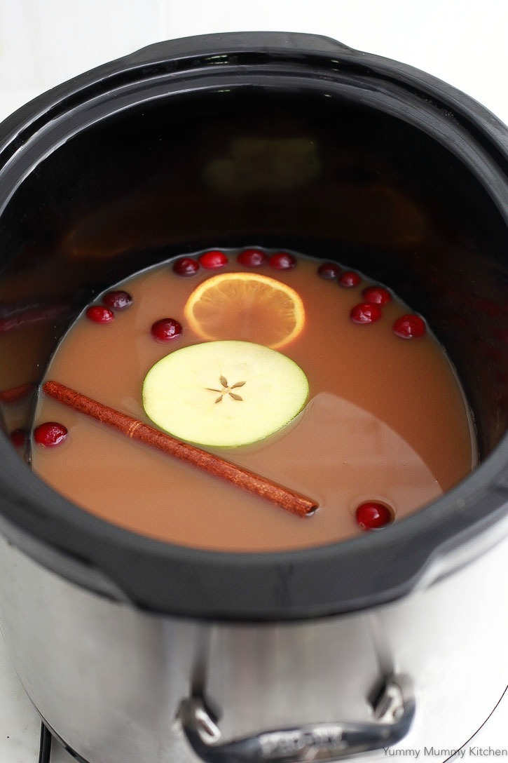 Make homemade apple cider in the slow cooker crock pot! This recipe is so easy and delicious.