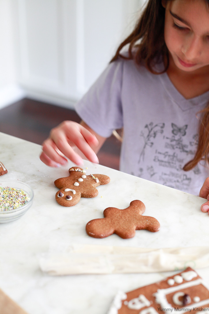 Gluten free, vegan, paleo gingerbread boys are easy to make and delicious! This gingerbread cookie recipe is perfect for cut-outs.
