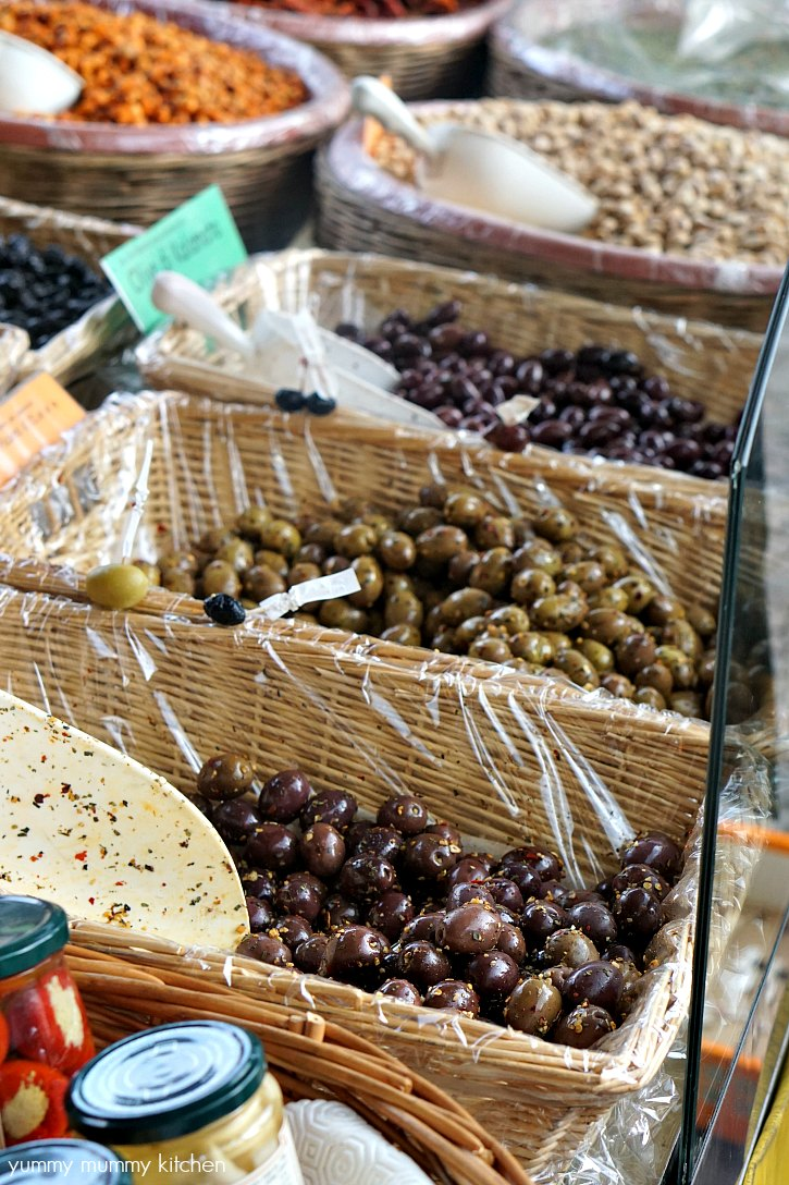 The Greve in Chianti Saturday farmers market has beautiful produce including olives.