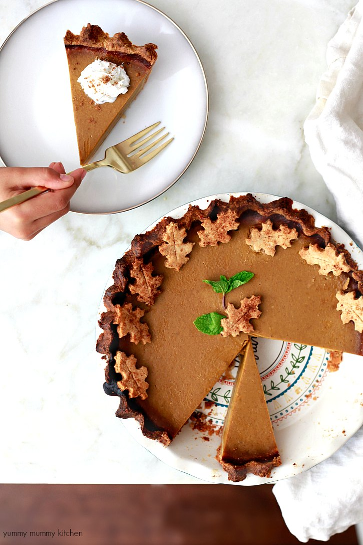 This vegan and gluten free pumpkin pie tastes like the classic!