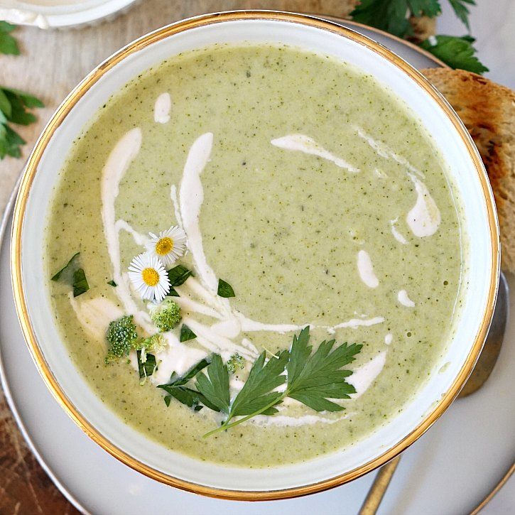 Smooth cashew cream makes this dairy-free broccoli soup extra creamy. Try this nutritious soup for a comforting lunch or dinner.