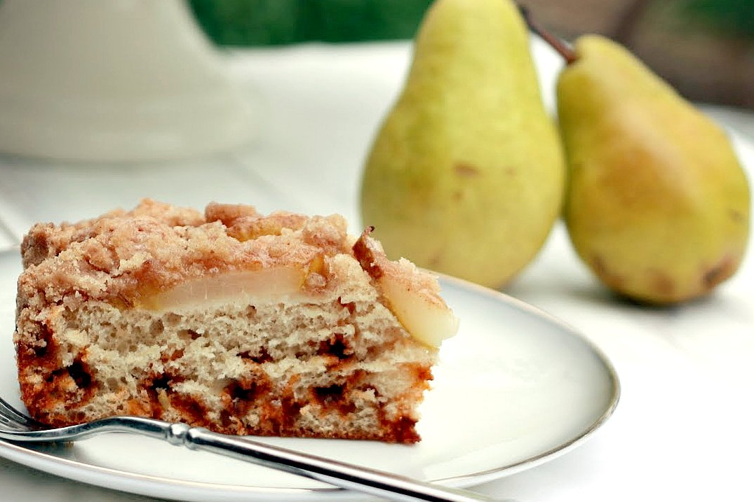 Low-Fat Pear and Cinnamon Chip Coffee Cake