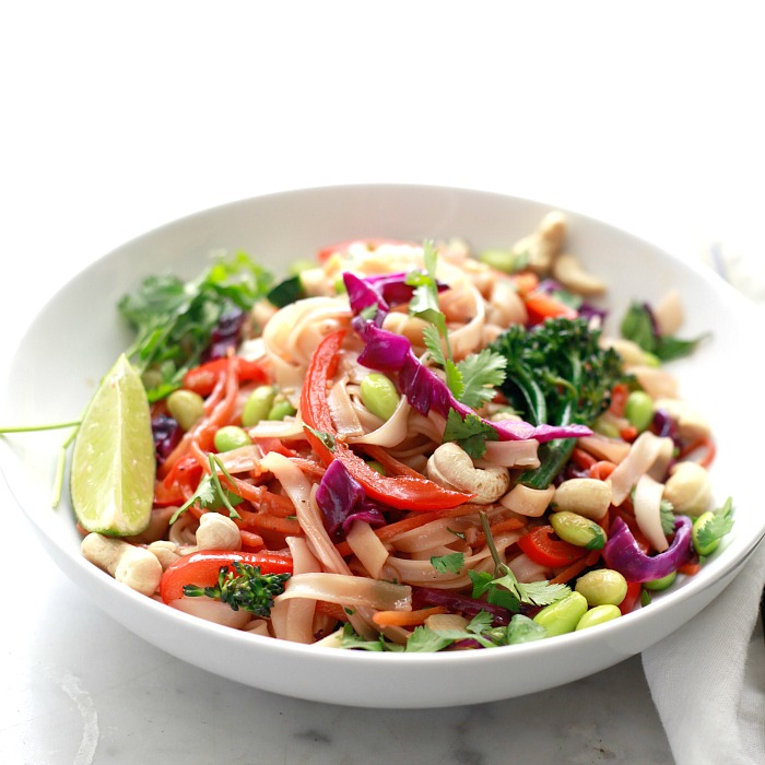How to make healthy vegan and vegetarian pad Thai with vegetables.