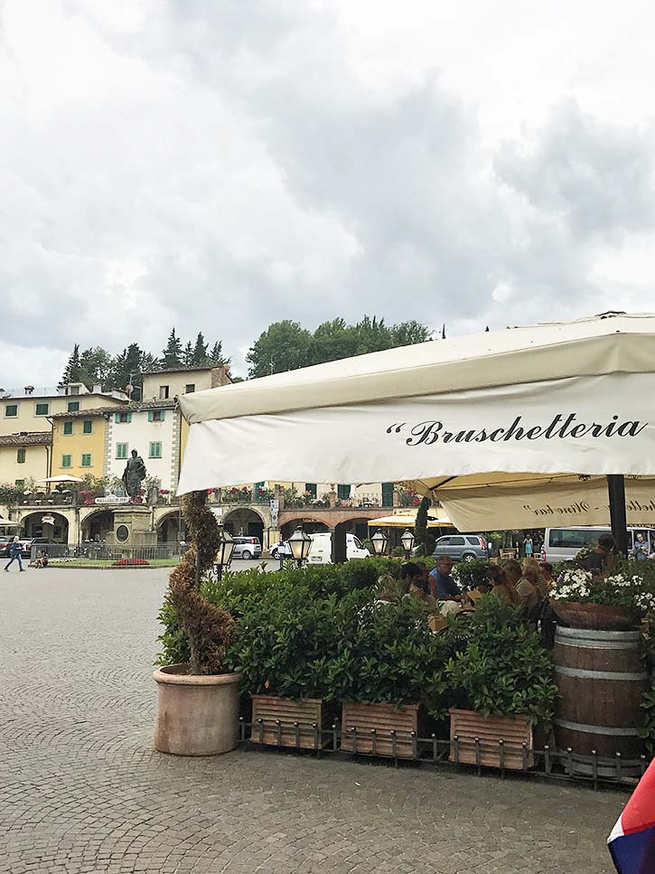 A restaurant in the charming town of Greve in Chianti, Italy has a sign that reads Bruschetteria.