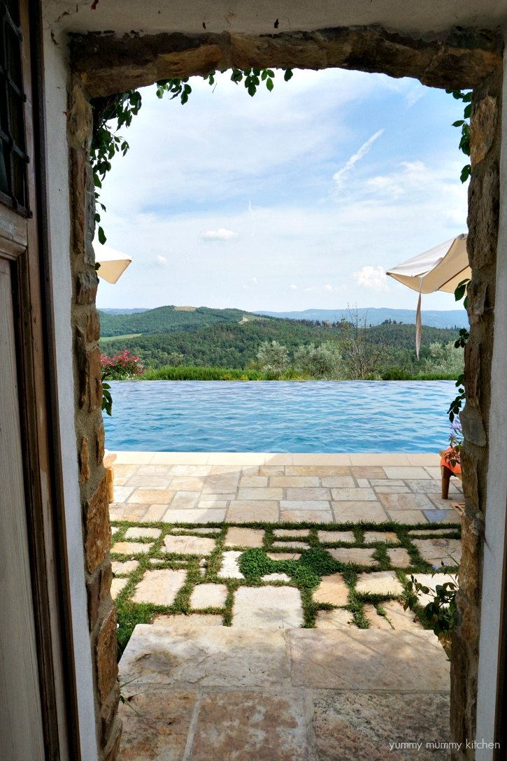 A beautiful Tuscan vacation rental pool.