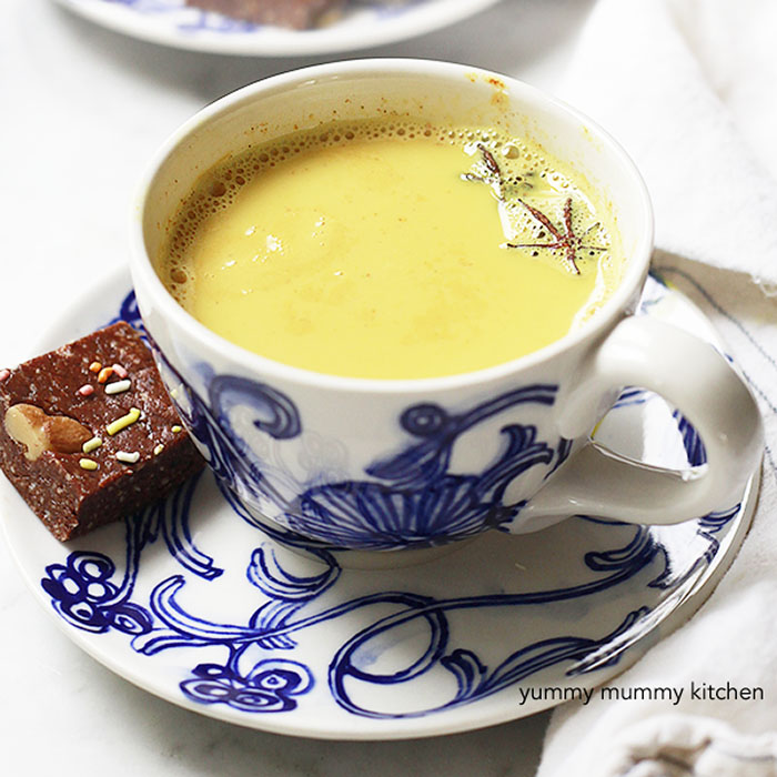 How to make a delicious and healing caffeine-free vegan turmeric tea latte, or golden milk latte.