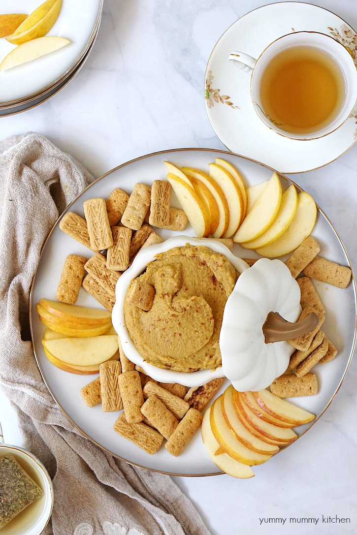 This sweet pumpkin hummus dip tastes just like pumpkin pie and makes a great after school fall snack.