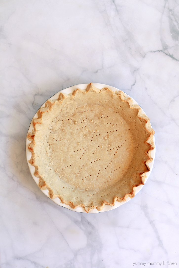 The perfect gluten free, vegan, paleo pie crust made with almond flour.