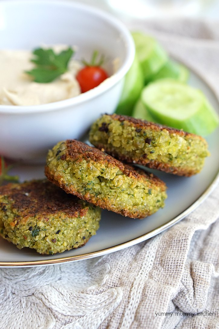 These beautiful vegan falafel are delicious hummus and veggies.