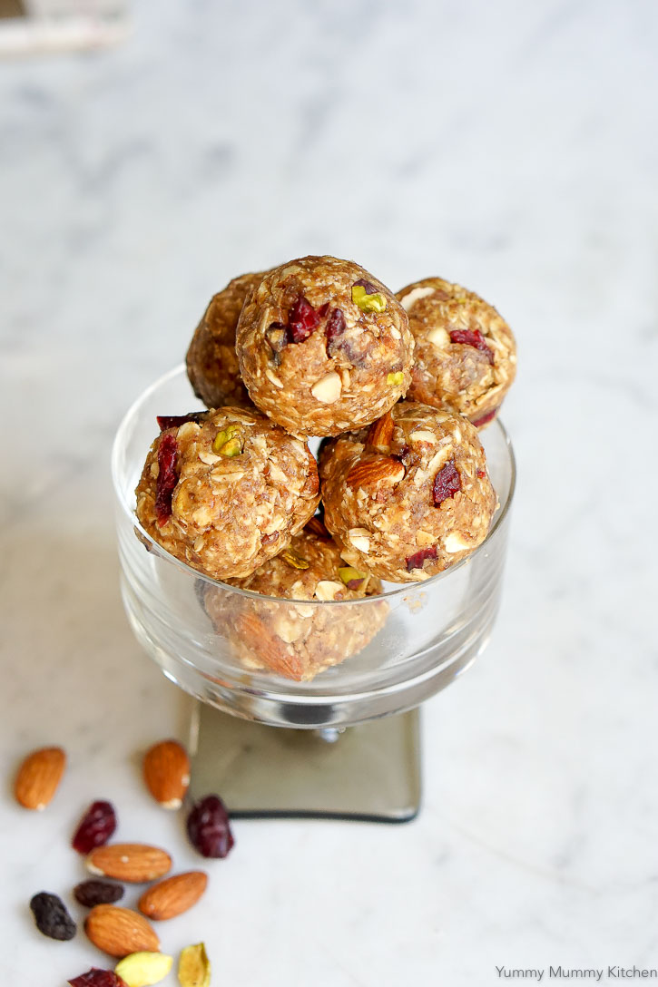 These oat, nut, and peanut butter energy balls take just a few minutes to make and are so delicious!