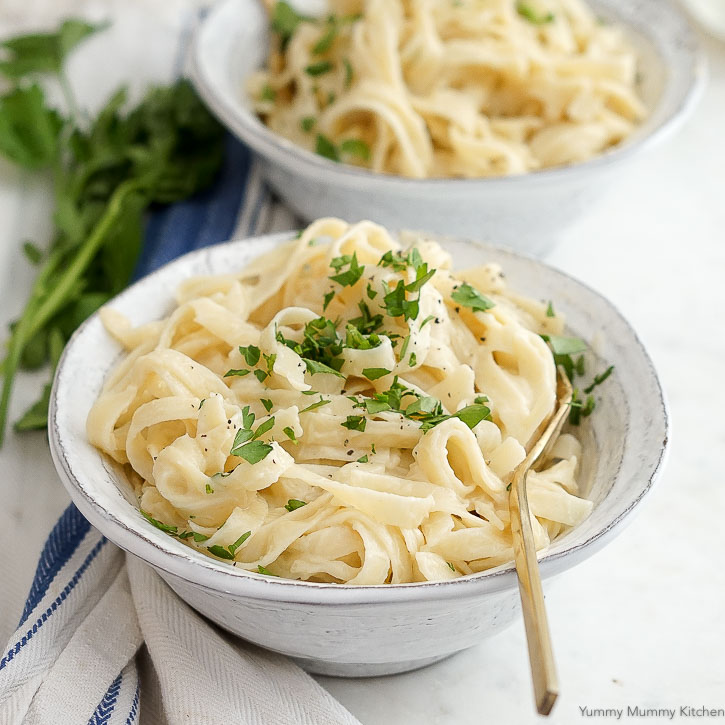 The best cauliflower vegan fettuccine alfredo recipe!
