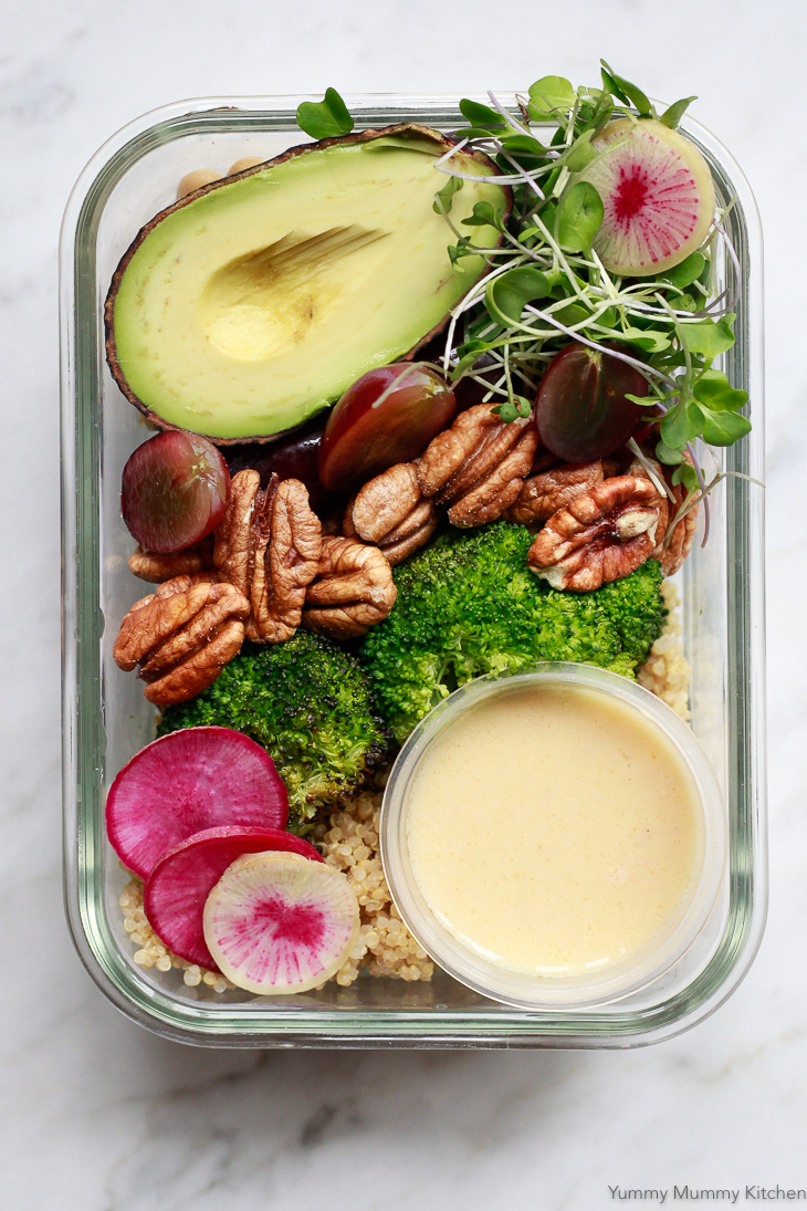 An easy meal prep recipe that makes a delicious lunch or dinner on busy days. This meal prep bowl is naturally vegetarian, vegan, and gluten-free. It's packed with quinoa, roasted broccoli, grapes, and pecans.