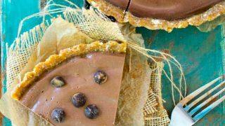 Easy Vegan No-Bake Chocolate Peanut Butter Pie